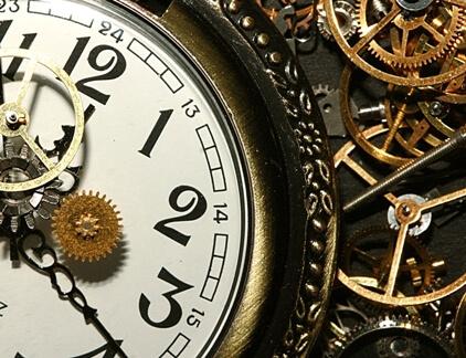 Augstvērtīgs pulkstenis no gmt.lv
